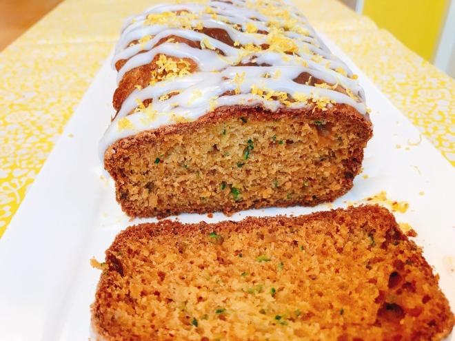 Cake met courgette en citroen